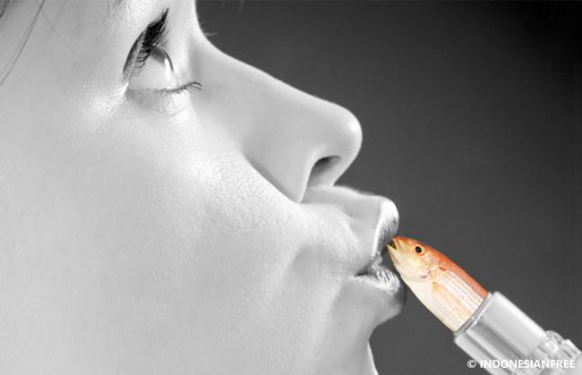 Setiap lipstik mengandung sisik ikan
