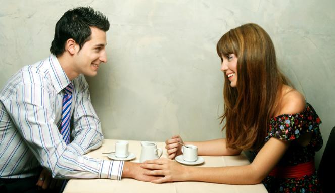 tanda tanda pria serius dalam hubungan