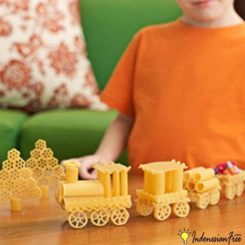 Kereta Api Dari Pasta cara membuat mainan anak edukatif