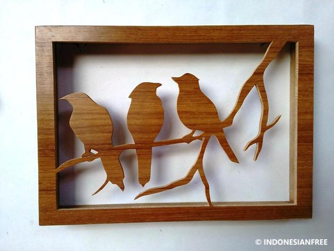 kreasi unik dari kayu bekas