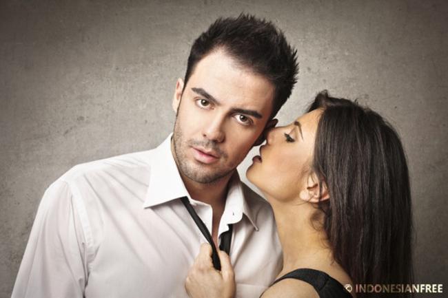 pria beristri mencintai wanita lain