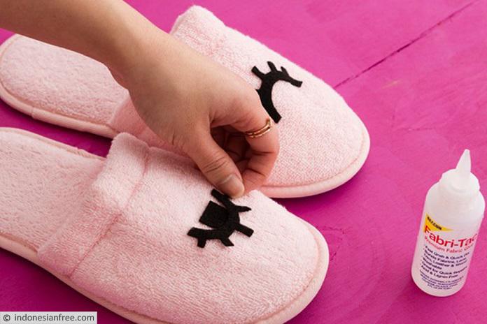 cara membuat sandal tidur dari kain flanel