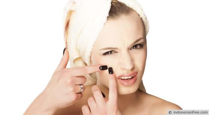 cara mengecilkan pori pori wajah bekas jerawat